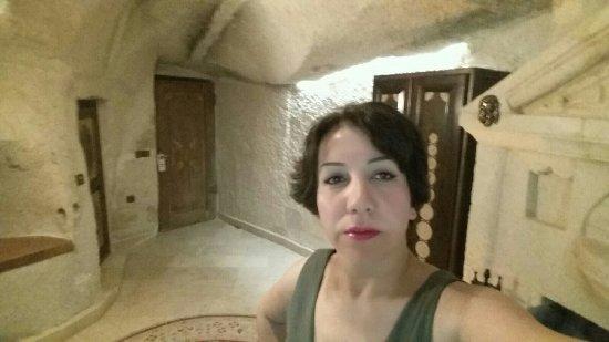 Gamirasu Cave Hotel: 2016-09-19-00-57-59-641_large.jpg