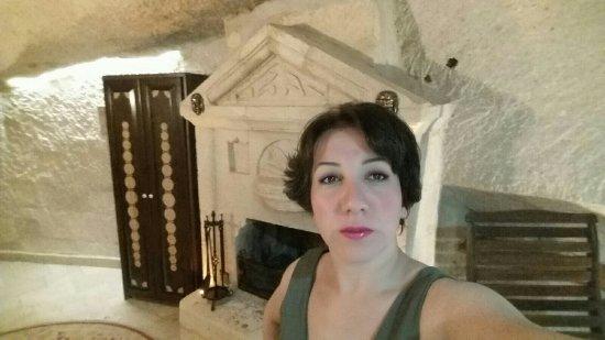 Gamirasu Cave Hotel: 2016-09-19-00-49-36-377_large.jpg