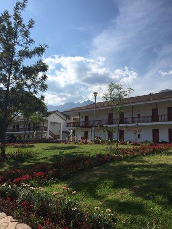 Hotel Agustos Urubamba: Linda tarde, flores hermosas y se respira un aire limpio y mucha paz, el almuerzo estuvo delicio