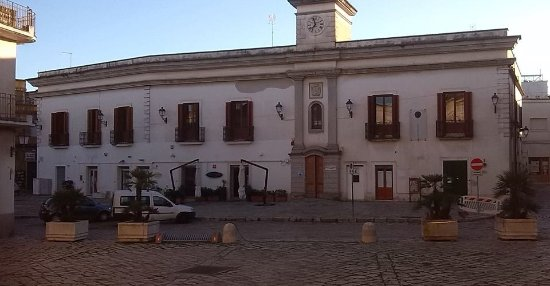 Biblioteca Comunale Ugo Granafei