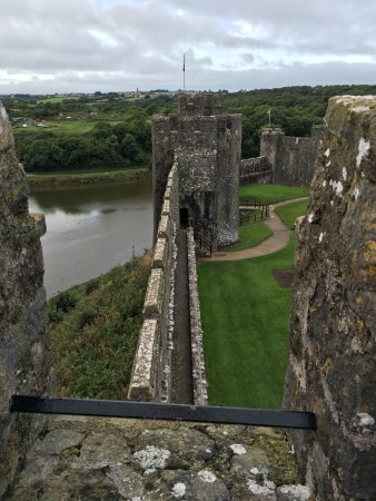 Pembroke, UK: Ramparts and the river