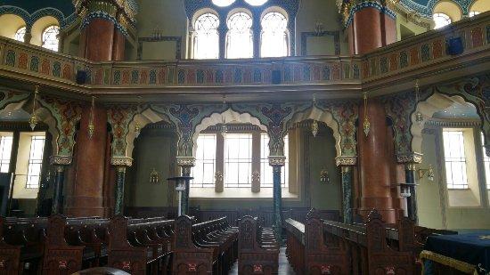 Central Sofia Synagogue (Tsentralna Sofiiska Sinagoga): 20160920_123335_HDR_large.jpg