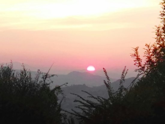 Fermignano, İtalya: tramonto dall agriturismo