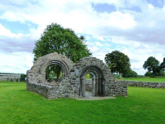 County Offaly, Ιρλανδία: Ruines du couvent des soeurs franciscaines à Clonmacnoise
