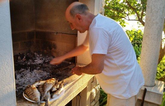 Zaton, Κροατία: Garden grill - fish as great meal