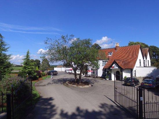 Falfield, UK: Entrance