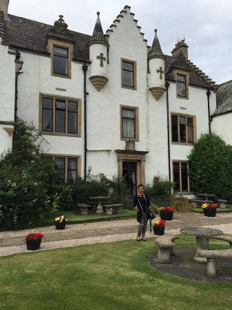 Invergordon, UK: in front of the castle hotel