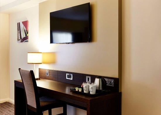 Pictures of Premier Inn Farnborough Town Centre hotel - Farnborough Photos - Tripadvisor