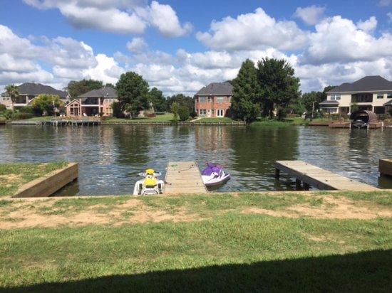 Montgomery, TX: Docks off the lakeside villa