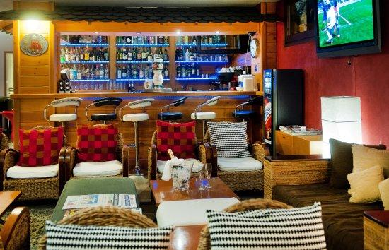 Hotel Mila : Bar, carefully stocked