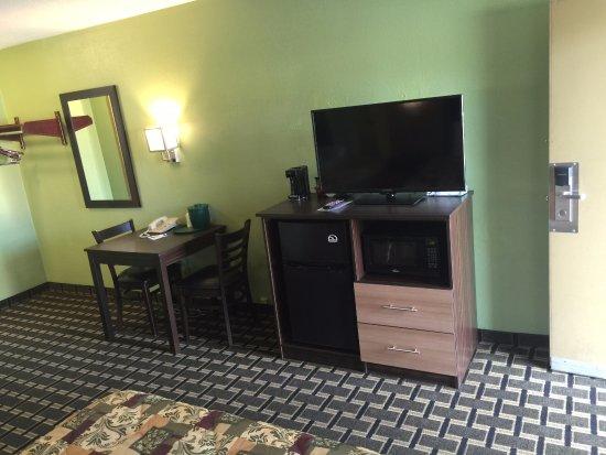 University Manor Inn: Guestroom