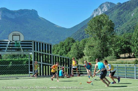 Camping La Ferme : Terrain multisports