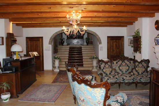 Villa Palombara Country House: hall