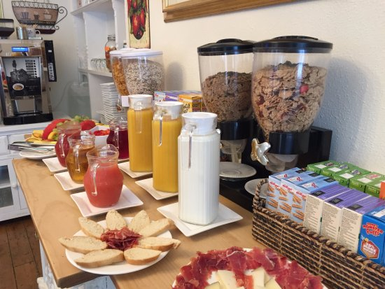Chester House Guest House: Breakfast Selections Available