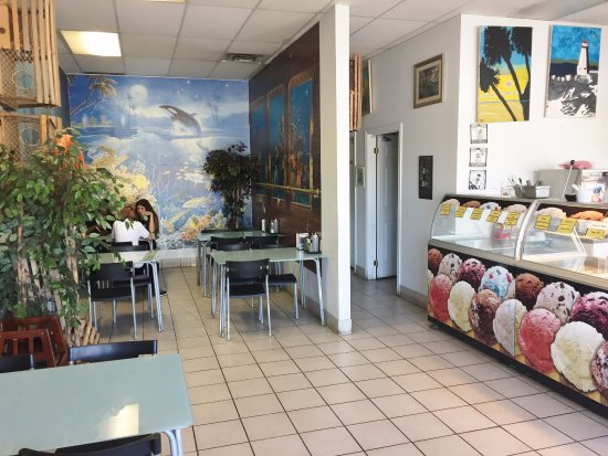 Seating Area - Choi's Fish N' Chips, Barrie ON
