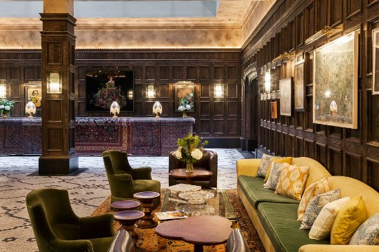 The Beekman A Thompson Hotel: Lobby Seating