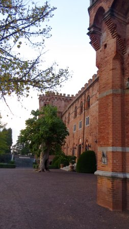 Tours Around Tuscany: Castle tour in Tuscany