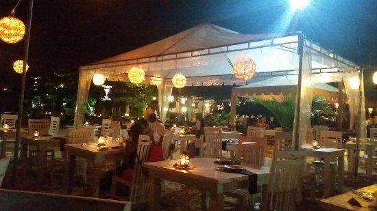 Thaproban Beach House: 20160920_193145_large.jpg