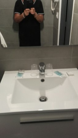 Hotel Augustin Marie : Hôtel nul le plus nul de toute la Corse.à oublier hors de prix  C est une honte
