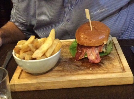 Selsey, UK: Home made burger