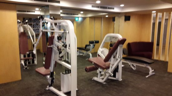 Peninsula Excelsior Hotel: Gym