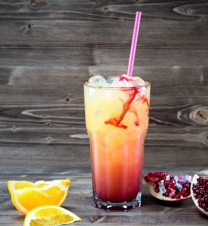 Sausalitos: Cocktail - Tequila Sunrise