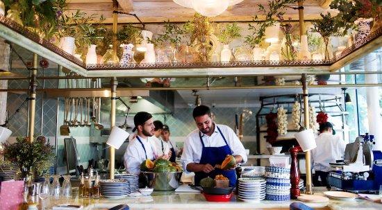 Mamma primi paris restaurant reviews phone number for Cuisine ouverte restaurant