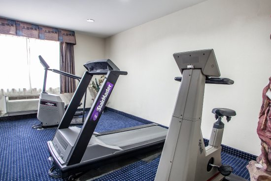 Quality Inn East Windsor: Fitness Room