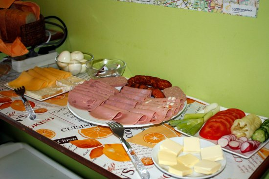 Zalaegerszeg, Hongarije: One option for breakfast: buffet