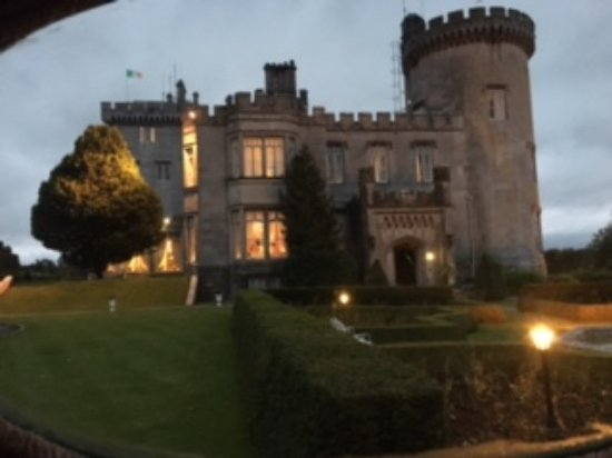 Newmarket-on-Fergus, Irlanda: Dromoland Castle at night