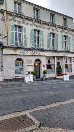 Les Rosiers sur Loire, Франция: Logis de France Au Val de Loire