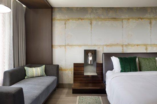 North Charleston Marriott: King Guest Room
