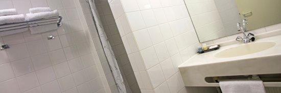 Koudum, Belanda: Kamer landzijde. Aparte douche en bad.