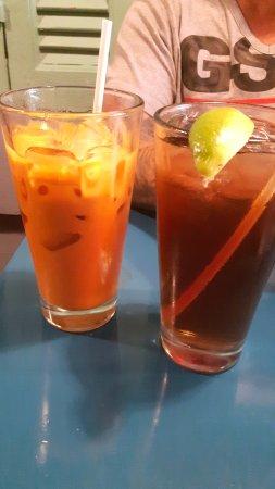 Khao San Road : thai ice tea and regular ice tea