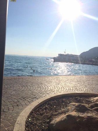 Hotel La Perla: Lakeside View, 5 minute walk from hotel