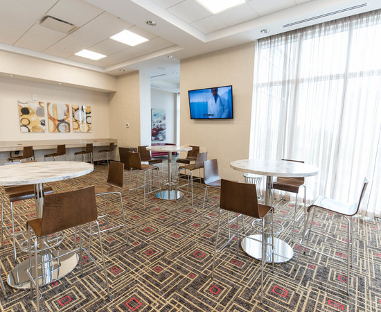 Connection Cafe at the Hampton Inn by Hilton Halifax Downtown