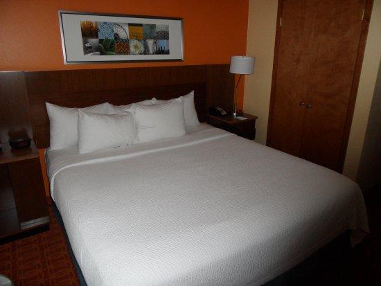Fairfield Inn & Suites Austin South: Habitación