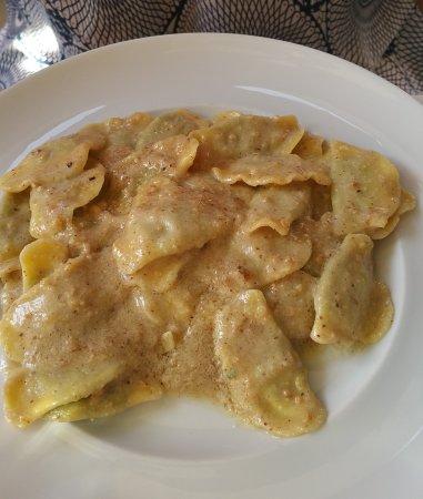 Ristorante Il Gambero Rosso: Regionale Küche direkt am Hafen