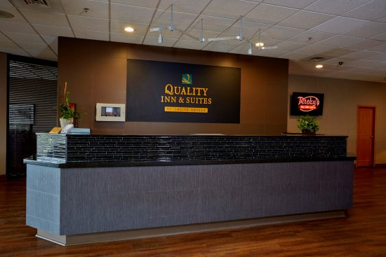 Quality Inn & Suites Hotel : Lobby
