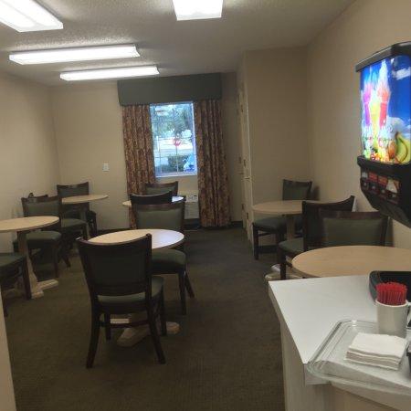 Ashton Inn & Suites- Navy: photo2.jpg