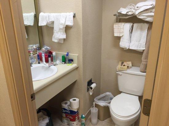 Ashton Inn & Suites- Navy: photo3.jpg