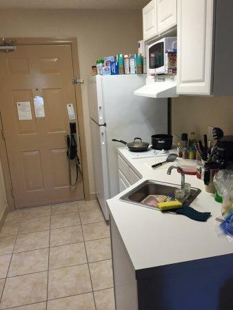 Ashton Inn & Suites- Navy: photo5.jpg