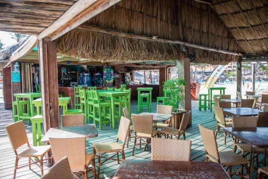 Pelican Adventures: Pelican Nest restaurant - Pier Bar Area