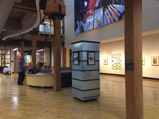 Plains Art Museum: Lobby