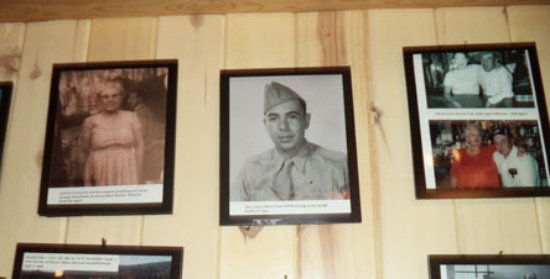 Arroyo Seco, Nuevo Mexico: TDhe Wall of Fame with Abe the soldier in Wolrld War II.