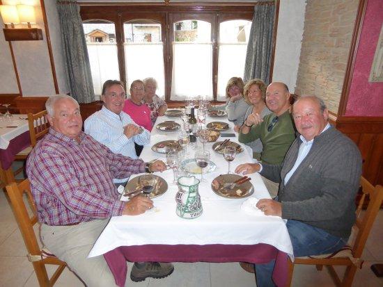 Tramacastilla de Tena, Espanha: buenos amigos y buena comida