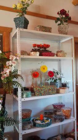 Padul, Spanyol: Exposición de productos artesanales hechos en piedra color