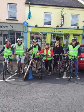 Clifden, Irlanda: Heading out on the Sky Road