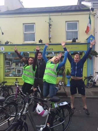 Clifden, Irlanda: Happy Campers