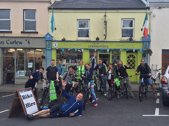 Clifden, Irlanda: Real Adventures Staff Party